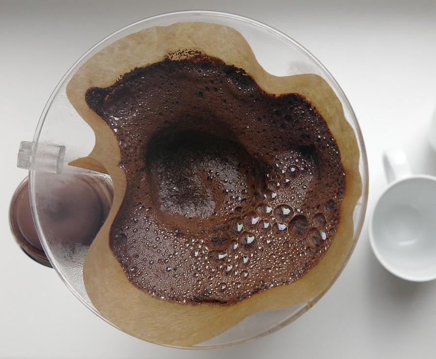 Kaffeesatz für weiche Hände