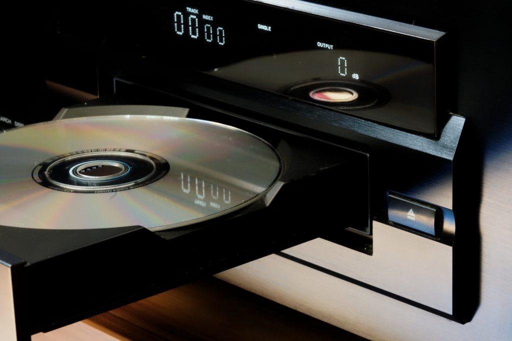 CDs mit Zahnpasta reinigen
