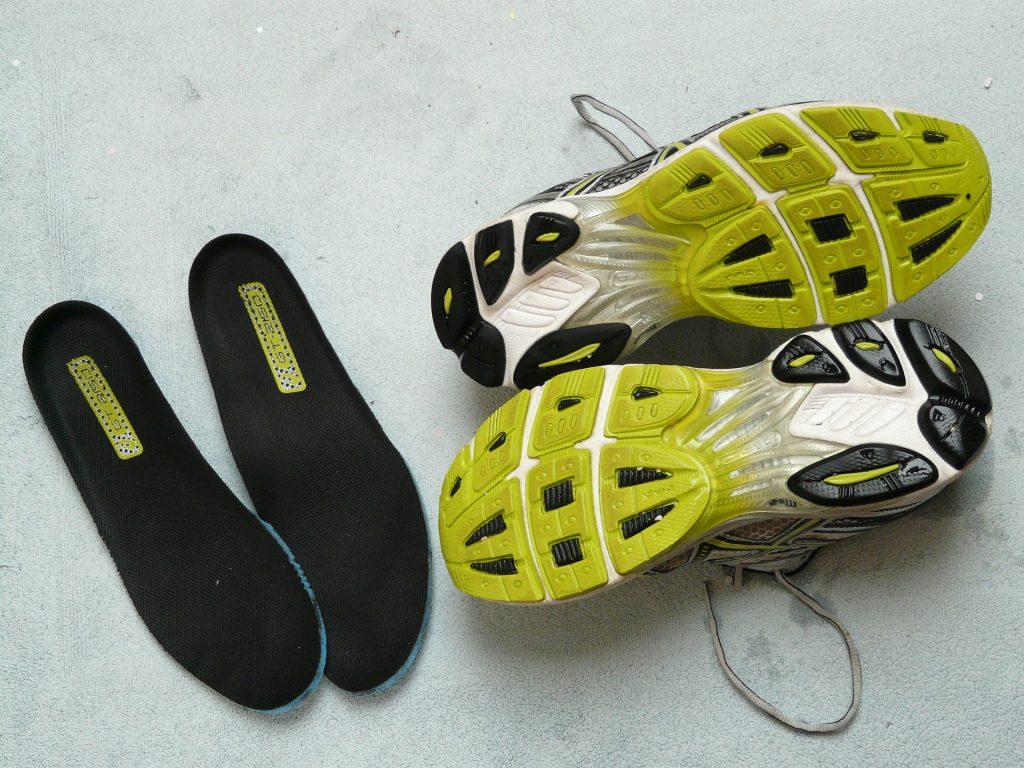 Sportkleidung, Sportschuhe
