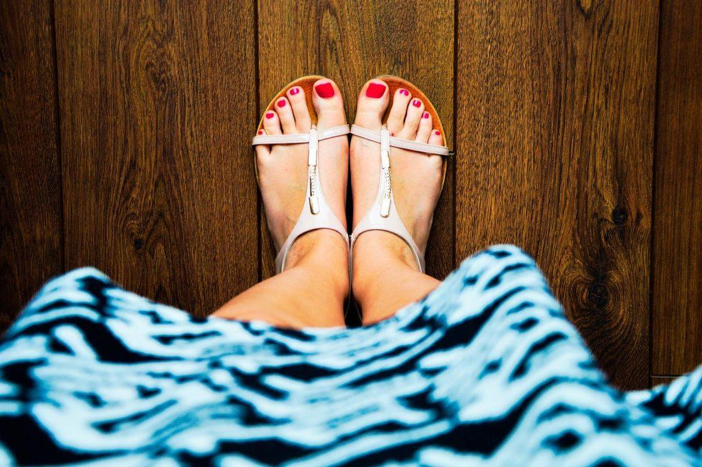 Sandalenfüße, schöne Füße